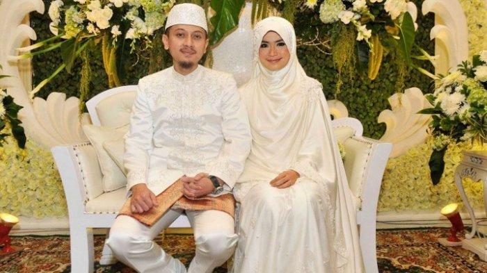 artis menikah dengan ustaz