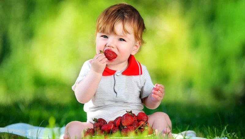 yummy! ini dia manfaat strawberry untuk balita 1